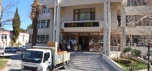 Depremde kolonları çatlayan belediye binası boşaltılıyor Depremlerle sarsılan Kırkağaç'ta belediye binasına tahliye kararı