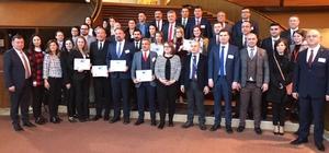"""Çiğli Belediyesine """"Yılın Partner Şehri"""" ödülü Başkan Gümrükçü, ödülü Strazburg'da aldı, heyette AK Partili isimde yer aldı"""