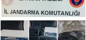 Türbede kaçak kazı yapan 4 kişi gözaltına alındı
