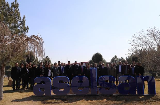 ASELSAN kapılarını teknoloji üniversitesine açtı Savunma sanayisinde ihtisaslaşması planlanan Sivas Bilim ve Teknoloji Üniversitesi, iş birliği kararı alınan ASELSAN'a teknik ziyarette bulundu