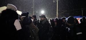 Trenle gelen mülteciler, 'Avrupa' diye slogan atarak gardan çıktı