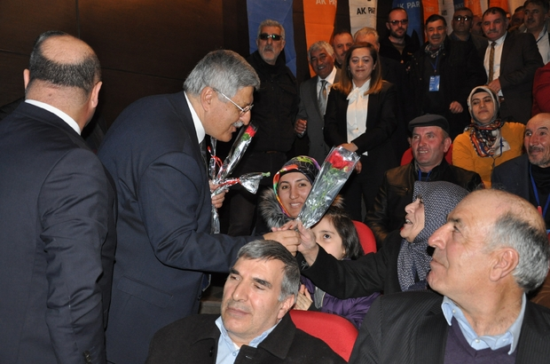 """AK Parti Genel Başkan Yardımcısı Demiröz'den CHP'li Özkoç'a gönderme Vedat Demiröz: """"Fezleke geliyor şimdi göreceksiniz"""" AK Parti Kars'ta Merkez İlçe Başkanlığı kongresi heyecanı"""
