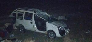 Hafif ticari araç takla attı: 1 ölü, 1 yaralı