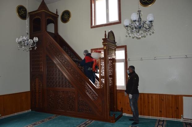 Aşkale'de okul taşıtları camiler ve umumi yerler ilaçlandı