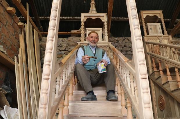 Ömrü boyunca mihrap yaptı, dünyanın en iyileri arasına girdi Türkiye Diyanet Vakfı tarafından verilen Uluslararası İyilik ödülüne layık görülen 87 yaşındaki Sivaslı Ali Önder, ilerleyen yaşına rağmen hiçbir ücret almadan camilere minber, mihrap ve kürsü yapmaya devam ediyor