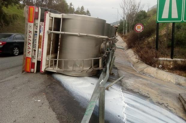 İzmir'de süt dolu tır devrildi: 1 yaralı