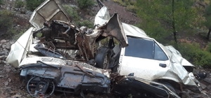 Kayıp 2 şahıs 90 metrelik uçuruma yuvarlanan otomobilde ölü bulundu