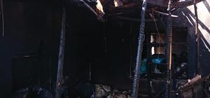 Yangın sonrası ev küle döndü