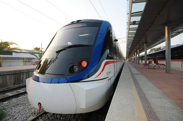 İzmir'de toplu taşıma kullanımı hafta sonu yüzde 77 azaldı