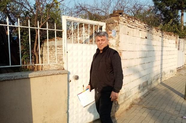 Mahalle muhtarı kapı kapı dolaşıp yaşlıları bilgilendirdi Aydın'da yaşayan 65 yaş ve üzeri şahsıların envanteri çıkarılıyor