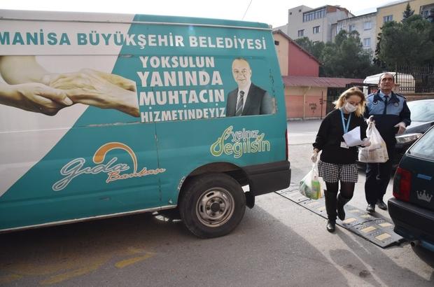 Manisa'da gıda bankası evlere hizmet götürmeye başladı