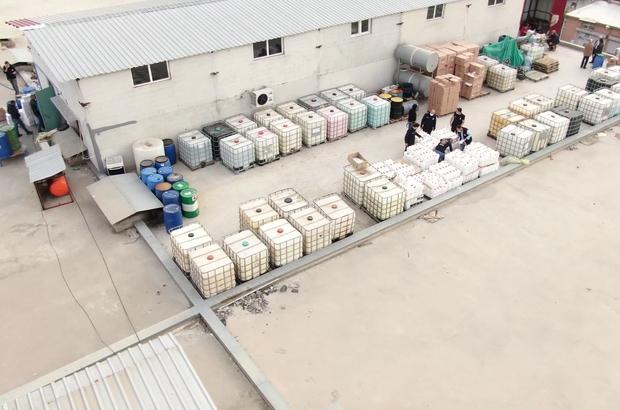 Adana'da 2 milyon liralık sahte dezenfektan ve şampuan ele geçirildi Polis baskını ile 2 milyon liralık sahte ürün ele geçirildi, depo sahibi gözaltına alındı