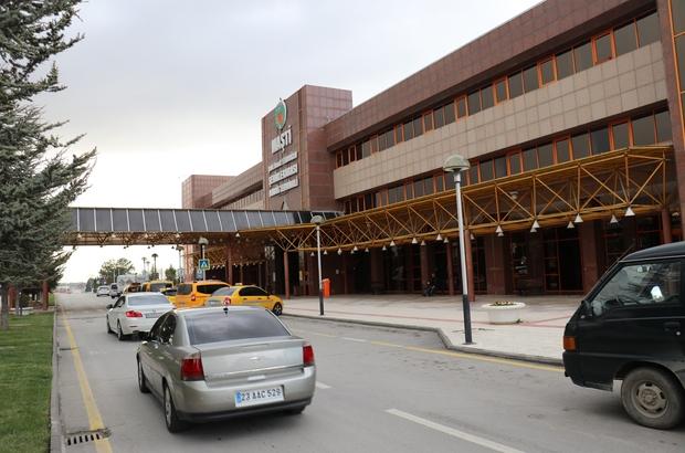 Malatya'da şehirlerarası otobüs seferleri iptal edilmeye başlandı Malatya otobüs terminali korona virüse karşı dezenfekte ediliyor