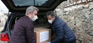 Kaymakam ve belediye başkanı vatandaşların ihtiyaçlarını birlikte teslim etti