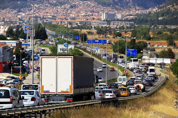 Muğla'da iki kişiye bir araç düşüyor Türkiye İstatistik Kurumu, Muğla'da geçen yılın aynı dönemine göre araç sayısında 14 bin 512 artış yaşandığını açıkladı.