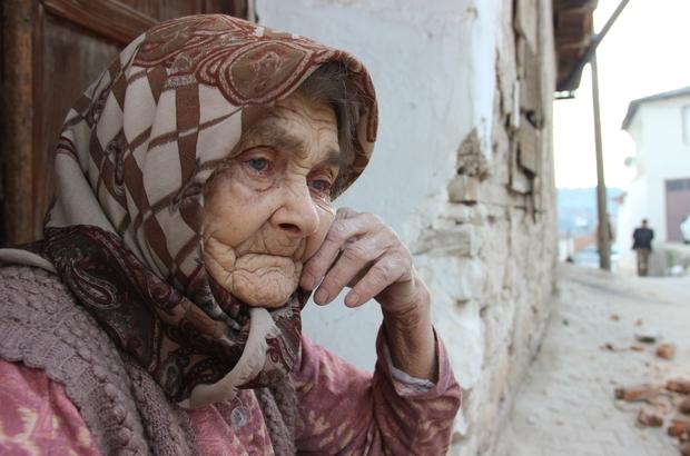 Türkiye'deki yaşlı nüfus son 5 yılda yüzde 21.9 arttı Türkiye nüfusunun yüzde 9,1'i 65 yaş ve üstünde