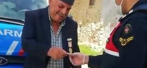 Kıbrıs Gazisi emekli maaşından 500 TL'yi kampanyaya bağışladı Gaziden 'Biz Bize Yeteriz Türkiyem' kampanyasına 500 TL'lik destek