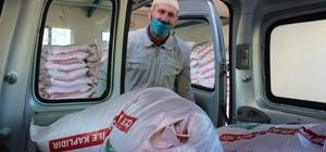 Boş kalan araziler devlet desteğiyle yeniden üretime kazandırılıyor Tarım İl Müdürü kendi eliyle tohum dağıtıp araçlara yüklüyor Erzurumlu çiftçilere 480 tonluk tohum desteği