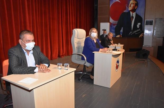 Ceyhan belediye meclisi olağanüstü toplandı Tek madde ile toplanan mecliste, Ceyhan Belediye Başkanı seçilen Hülya Erdem'in Ceyhan Belediyesi Personel Anonim Şirketi Yönetim Kurulu Başkanı seçilmesi teklifi oy birliği ile kabul edildi