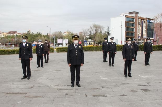Sosyal mesafe ile Atatürk Anıtı'na çelenk sunumu yapıldı Nevşehir'de Polis Haftası sosyal mesafe önlemi ile kutlandı