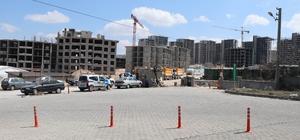 Nevşehir'de TOKİ inşaat alanı karantinaya alındı İnşaatta çalışan 4 işçinin korona virüs testi pozitif çıkınca TOKİ'nin yapımı devam eden bin 470 konutluk alanı karantinaya alındı