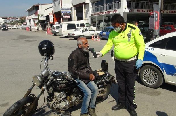 Yaşlı, alkollü ve öfkeli adam pes dedirtti Antalya'da bu kadar da olmaz dedirten olay 70 yaşında sokağa çıkma yasağını ihlal etti, alkol alıp ehliyetsiz kullandığı motosikletle kaza yaptı Motosiklet sürücüsü yaşlı ve alkollü adama  toplam 8 bin 694 TL ceza uygulandı