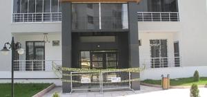 Elazığ'da 12 katlı apartman karantinaya alındı