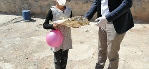Tuzluca'da köy çocuklarına hediye dağıtıldı