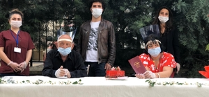 Tunceli'de engelli çift, maske ve sosyal mesafe tedbiri altında evlendi