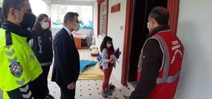 Tuzluca'da İlköğretim öğrencisi Mervenur'a doğum günü pastası sürprizi