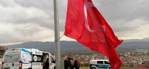 30 metre yükseklikte dalgalanan Türk bayrağı yenilendi