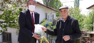 Yerli ve milli el dezenfektanı Bakan Dönmez'in memleketinde dağıtılmaya başlandı