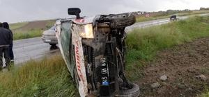 Manisa'da hasta nakil ambulansı kaza yaptı