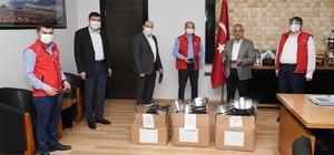 Başkan Zeybek'ten belediyelere hijyen malzemesi desteği