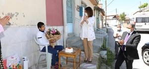 Burdur Valisi, engelli vatandaşları tek tek ziyaret etti Doğum günü sürprizi yapılan engelli genç büyük mutluluk yaşadı
