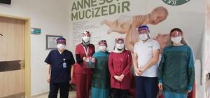 Belediye'nin sponsor olduğu öğretmen 2 bin siperlik maske üretti