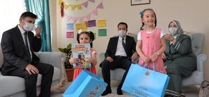 Vali Şentürk, koruyucu aileyi ziyaret etti