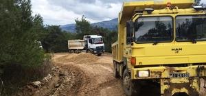 Köy yollarında stabilize çalışmalarına devam ediyor