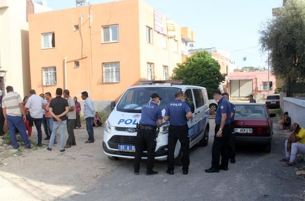 30 bin lira için kuzenini vurdu Adana'da 30 bin lira borç verdiği kuzenlerinden parasını alamadığını ileri süren bir şahıs rastgele ateş açınca kuzenini yaraladı Yaralanan kadın hastaneye kaldırılarak tedavi altına alındı