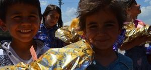 Öğretmenlerden bayramlık alamayan çocuklara bayram hediyesi
