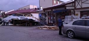 Narman'da fırtına çatıları uçurdu