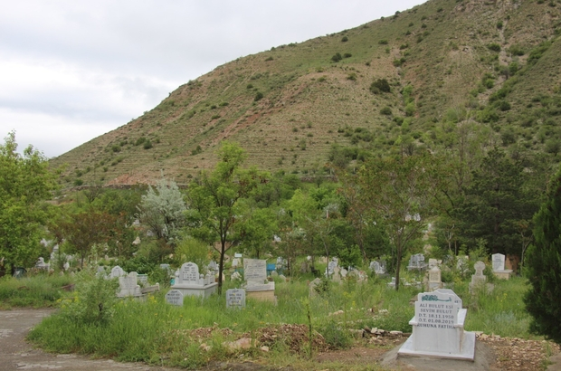 Oltu Cankurtaran Mezarlığı ziyaretçisiz kaldı