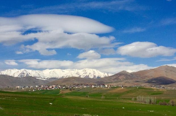 Tufanbeyli'de kar eşsiz manzara oluşturdu