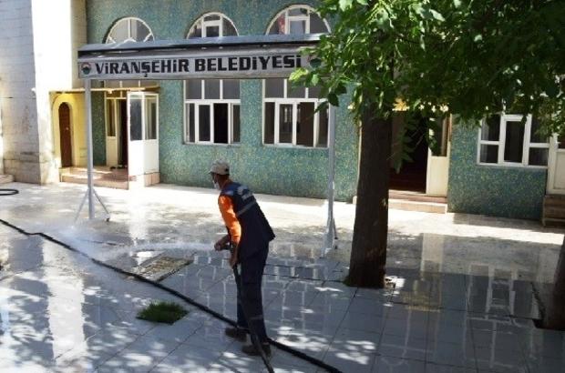 Viranşehir'de camiler cuma namazı için hazırlandı