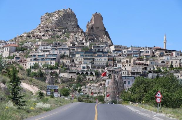 Dünyanın en yüksek peribacası ziyarete yeniden açıldı Kapadokya'da 1 buçuk ayda 21 bin 700 ziyaretçi alan kale yeniden açıldı