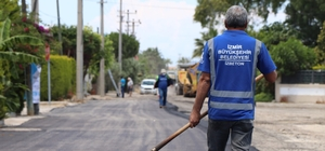 İzmir'de asfalt atağı sürüyor Asfalt ekipleri hafta sonu Torbalı, Çeşme ve Dikili'de mesai yaptı