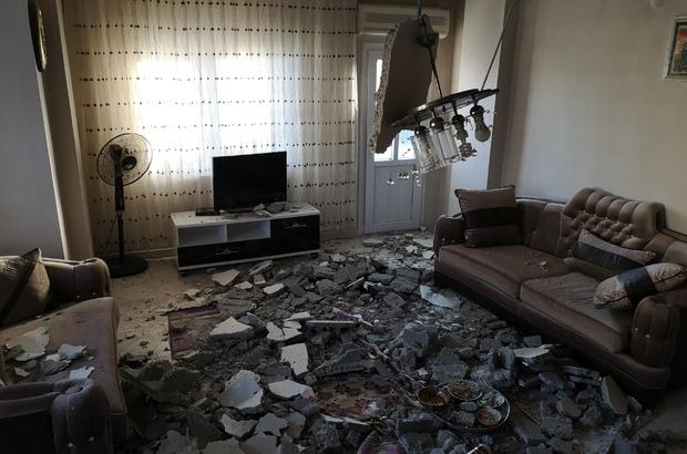 Mersin'de 2 katlı evin salonunun tavanı çöktü Savaş alanına dönen salonda 2 çocuk yaralandı
