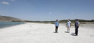 Vali Hasan Şıldak, sezona hazırlanan Salda Gölü'nde incelemede bulundu