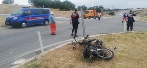 Uşak'ta motosiklet ile otomobil çarpıştı: 1 ölü 37 yaşındaki motosiklet sürücüsü trafik kazasında can verdi