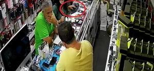 Kaşla göz arasında 6 bin TL'lik telefonu çaldılar İzmir'deki hırsızlık anı güvenlik kamerasında